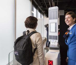 KLM rozpoznaje twarz na lotnisku w Amsterdamie